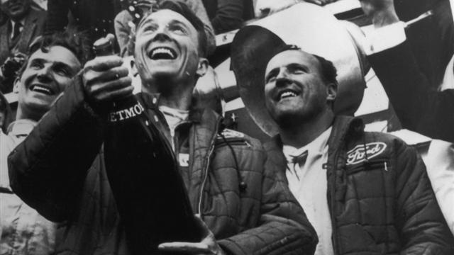 Comment Dan Gurney a lancé la tradition du champagne sur le podium