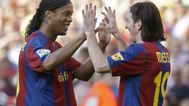 Emotivo saludo de Messi a Ronaldinho por su retiro del fútbol profesional