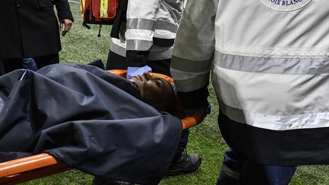 Diagnostic rassurant pour Mbappé, évacué sur civière après un choc avec Lopes