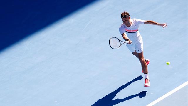 Zirkusreife Nummer! Federer und Fucsovics reißen Fans von den Sitzen