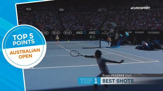 """Dal muro di Chung alla """"steccata"""" di Federer: la top 5 dei colpi del day 8"""