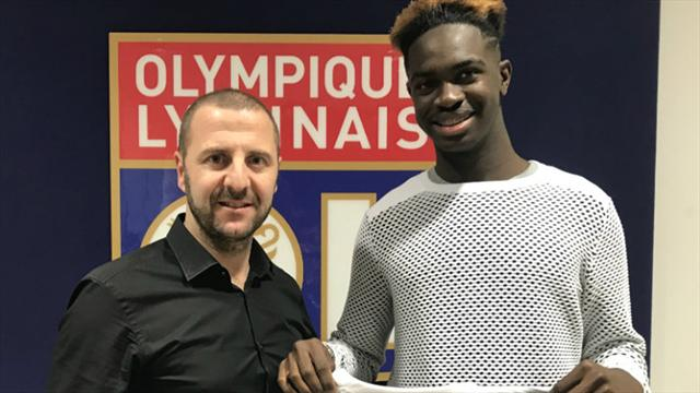 Oumar Solet prêté par Laval à l'OL, les détails dévoilés — Officiel