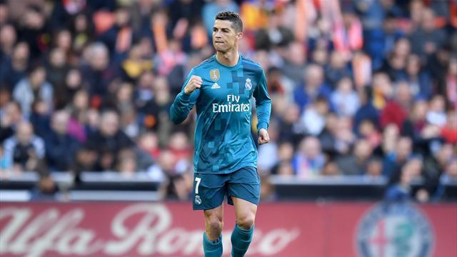Два гола Роналду спенальти принесли «Реалу» победу над «Валенсией»