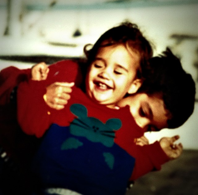 Martin (au premier plan) et Simon Fourcade au temps de l'enfance (Photo de Simon Fourcade)