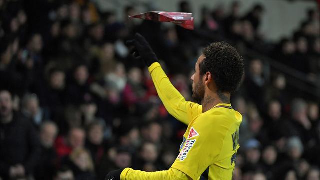 Neymar : «Le football devient ennuyeux parce qu'on ne peut rien faire»