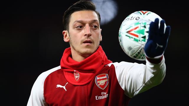 Özil a prolongé jusqu'en 2021, selon les médias anglais