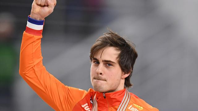 Smeekens draagt Nederlandse vlag tijdens opening Spelen
