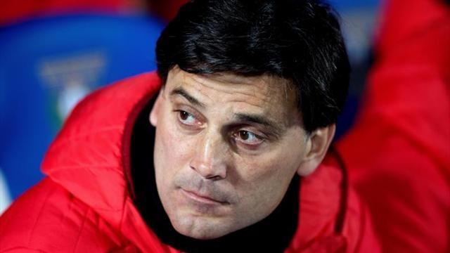 Amargo debut para Layún, el Sevilla es goleado