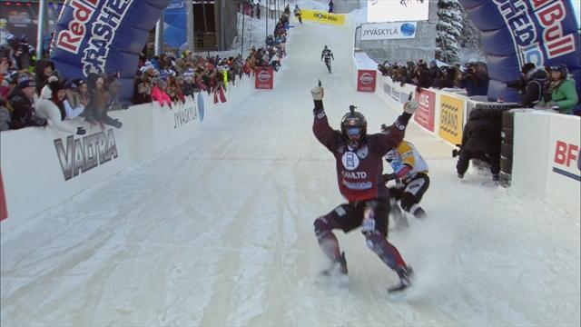 Очень жесткий спуск на коньках. Эти парни родились без чувства страха