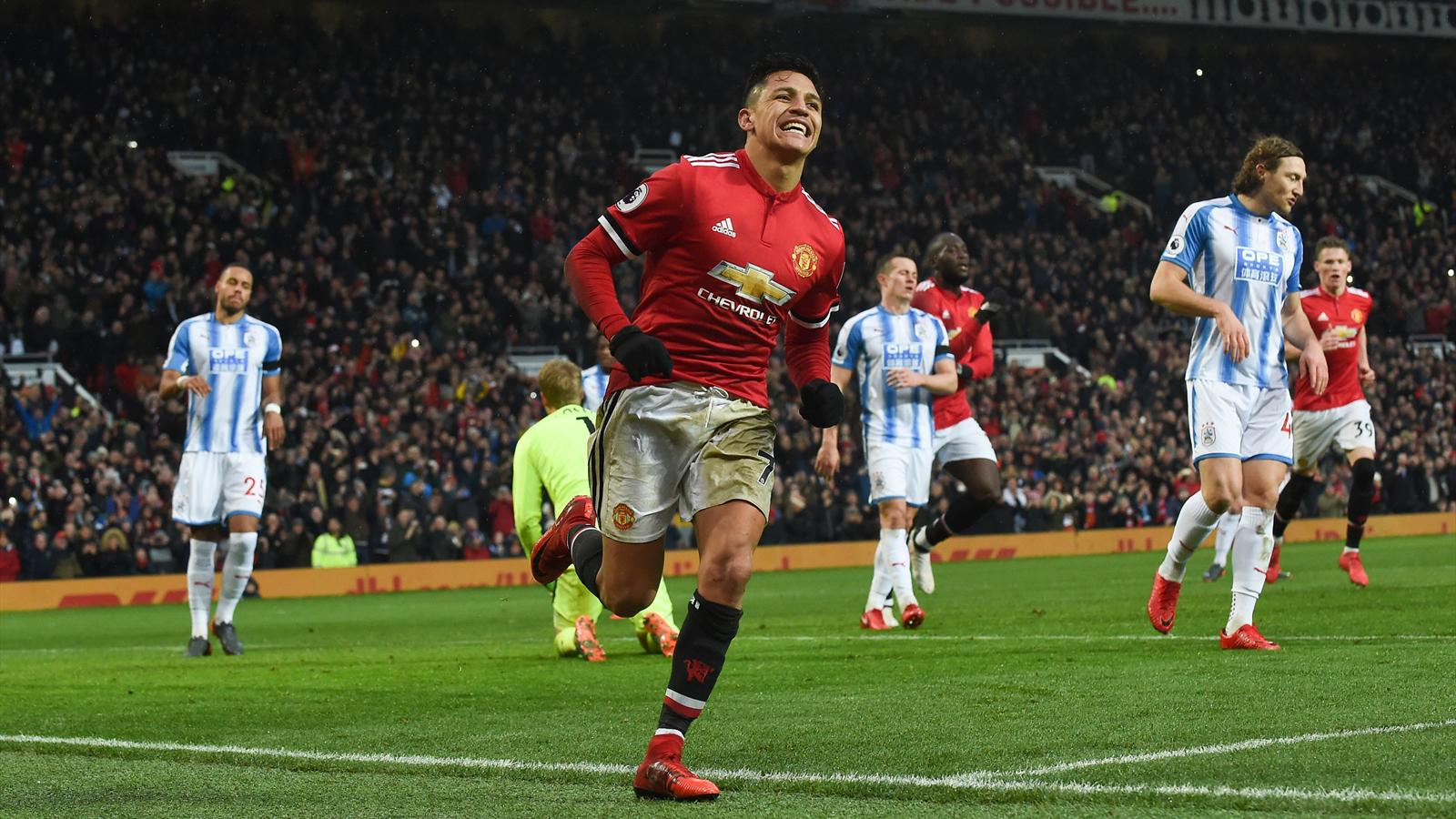 alexis sanchez scores first goal as manchester united see