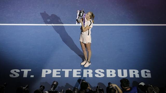 Квитова победила Младенович в финале и вышла на 5-е место по титулам среди действующих игроков