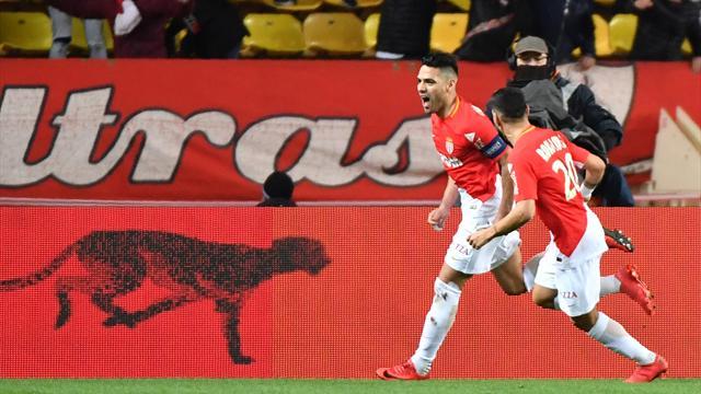 Mené 2-0 puis réduit à 10, Monaco terrasse l'OL