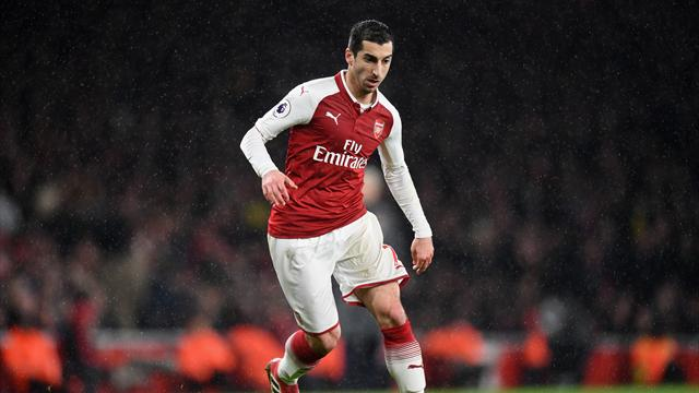 Ozil and Mkhitaryan start for Arsenal in Sweden