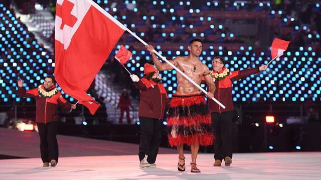 L'athlète Pita Taufatofua défile de nouveau le torse complètement huilé