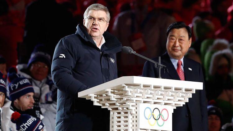 Thomas Bach, le président du CIO, et Lee Hee-Beom , le président du Comité d'organisation.
