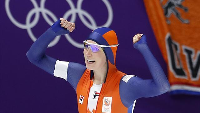 Kadınlar 3000 metre sürat pateninde Hollanda damgası