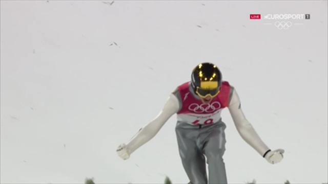 Andreas Wellinger stratosferico, il salto che gli regala l'oro nel trampolino piccolo