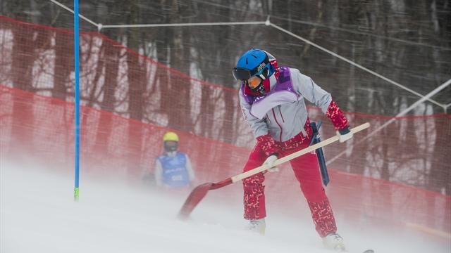 Damernas slalom uppskjuten - vinden sätter återigen stopp