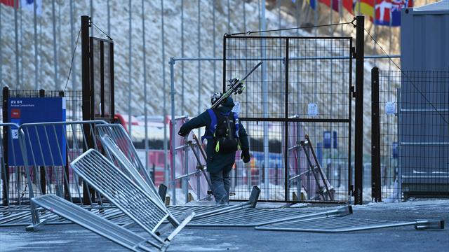 Fliegende Gegenstände: Sturm legt Olympic Park lahm
