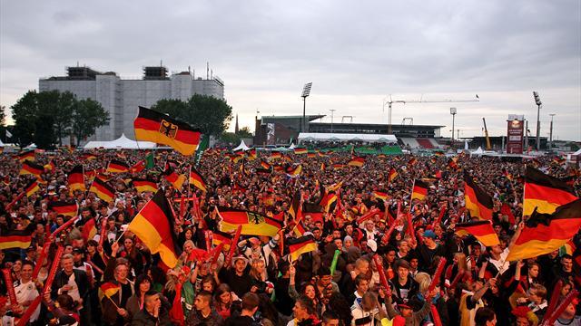 Regierung will zur Fußball-WM Public Viewing nach 22.00 Uhr erlauben