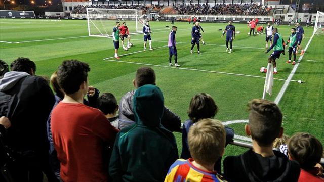 Garay, Pereira y Kondogbia entrenan al margen y Rodrigo lo hace en el campo