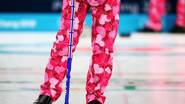 Los llamativos pantalones de corazones del equipo de Noruega de curling en San Valentín