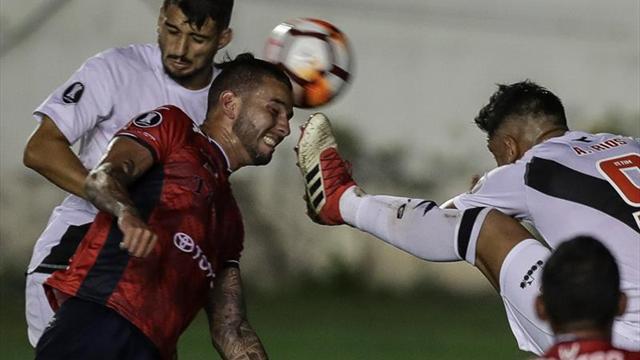 4-0. El Vasco se acerca a la fase de grupos con una exhibición de Paulinho