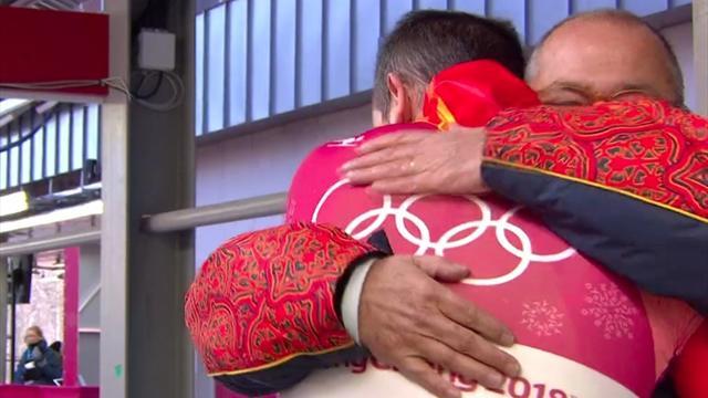 La divertida intrahistoria del abrazo de Mirambell y su padre