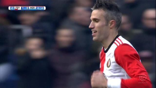 Un intérieur du pied soyeux et Van Persie offre la victoire au Feyenoord