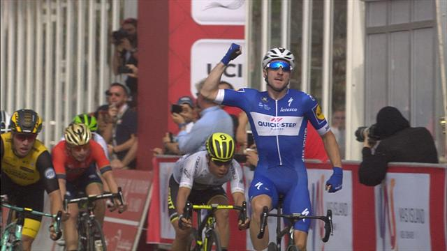 Viviani storms to victory on stage two