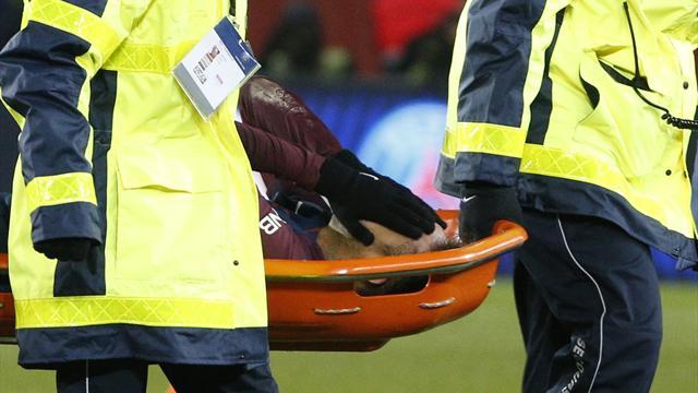 Sorti sur civière, Neymar souffrirait d'une entorse