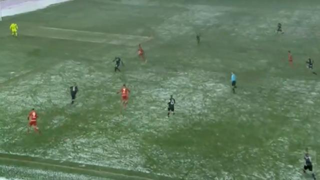 Шикарная атака и гениальный гол «Кайзерслаутерна», чьи игроки показали, как надо играть зимой