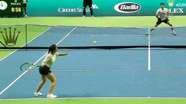 Weltklasse: Ballmädchen schlägt Winner gegen Federer
