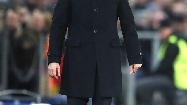 Hazard stalling on new Chelsea deal