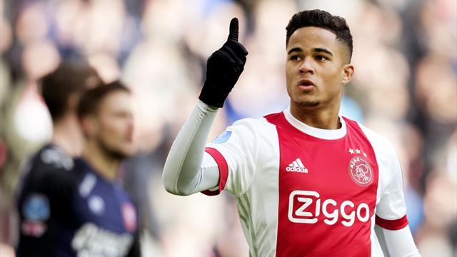 La Roma ha chiuso per Kluivert: 20 milioni più bonus all'Ajax, il giocatore è già nella Capitale