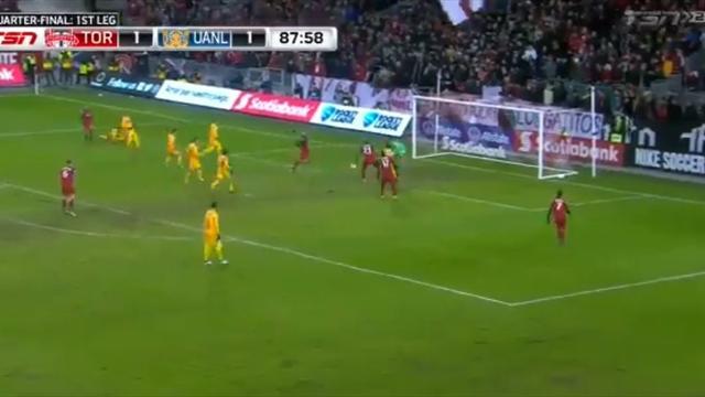 Шикарный гол пяточкой из Лиги чемпионов КОНКАКАФ, который принес победу клубу Джовинко и Алтидора