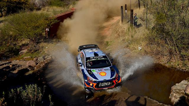 Neuville holds early Mexico lead, Loeb in 10th