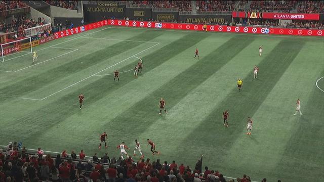 В обзор матча «Атланты» и «Ди Си» вонзился чудесный голасо в девятку