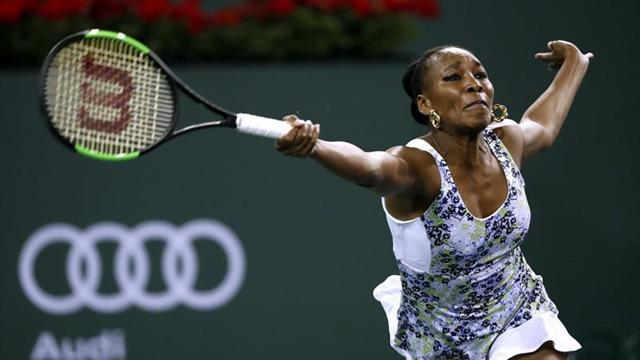 Venus Williams se impone a su hermana Serena y accede a octavos de final