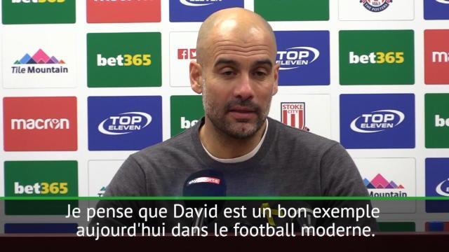 """30e j. - Guardiola : """"David Silva est un joueur exemplaire"""""""