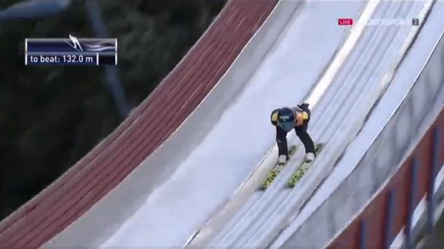 Akito Watabe vince il segmento di salto della combinata nordica di Trondheim
