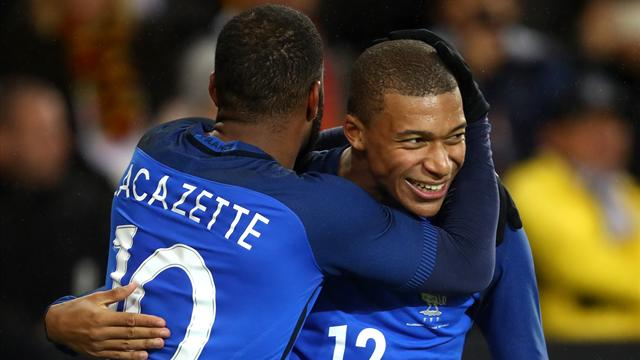 """L'absence de Lacazette en dit long sur ce que Deschamps attend de Mbappé"""