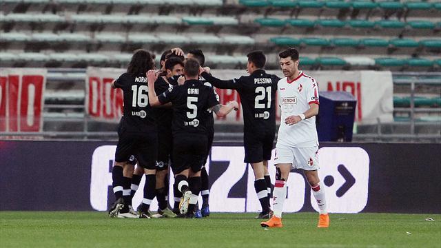 Recuperi: Brienza riacciuffa lo Spezia e salva il Bari, il Carpi passa a Pescara