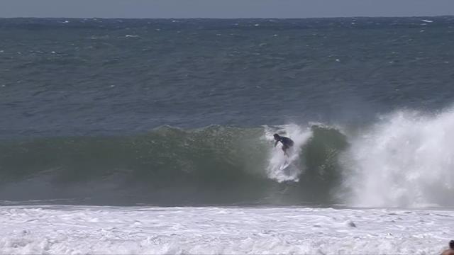 Surf - Bourez en quarts de finale