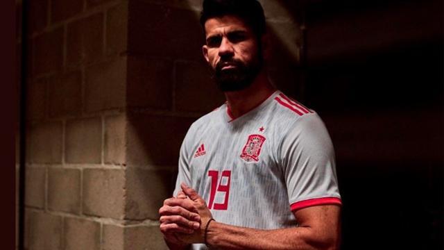 Mundial Rusia 2018: la Selección Argentina presentó su nueva camiseta alternativa