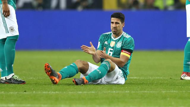 Juventus, Khedira infortunato al ginocchio e costretto a uscire durante Germania-Spagna