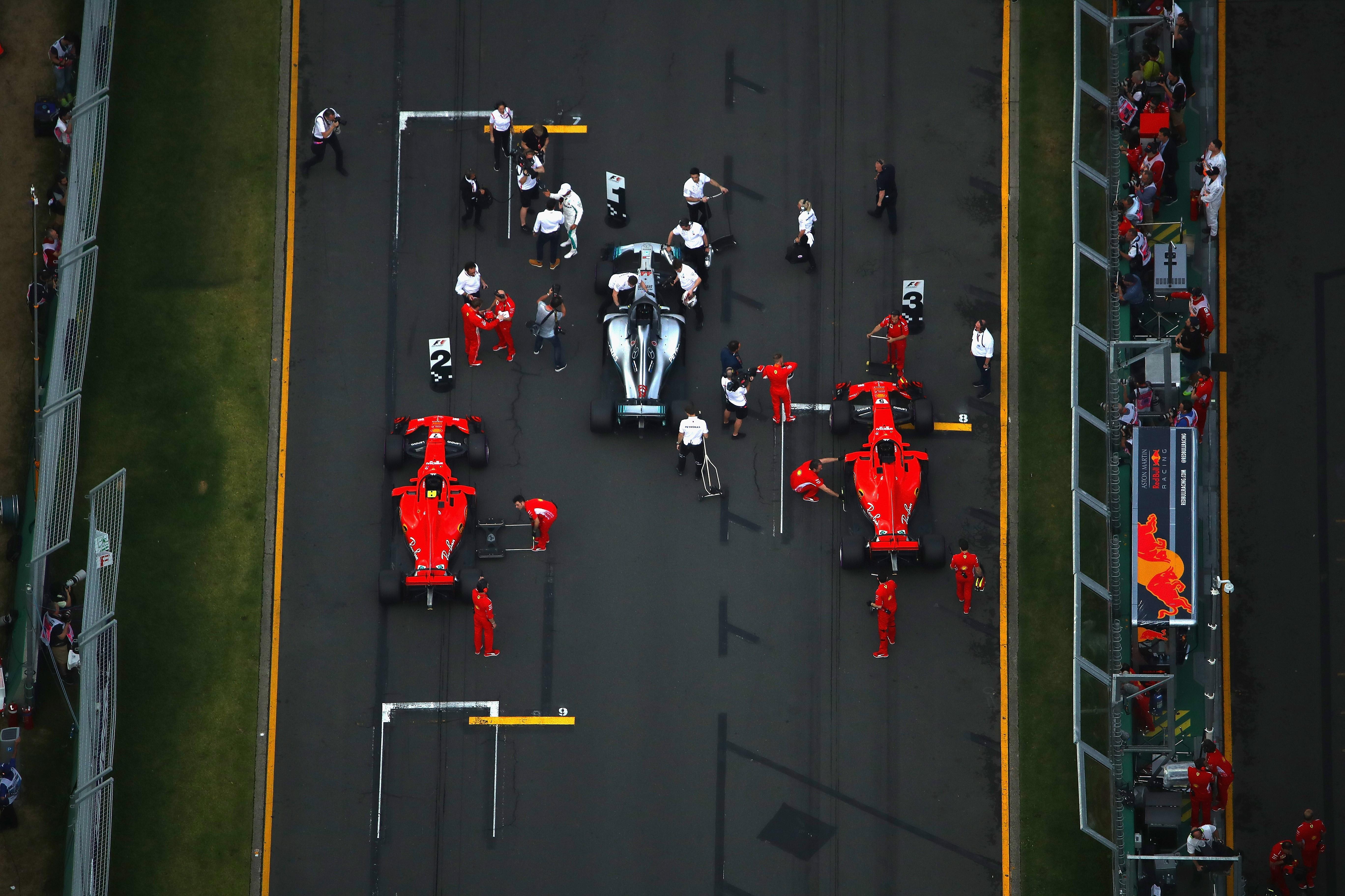 Lewis Hamilton (Mercedes), Kimi Räikkönen et Sebastian Vettel (Ferrari) au Grand Prix d'Australie 2018
