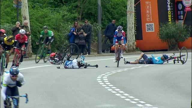 WATCH: Bernal crashes out of Volta in final stage