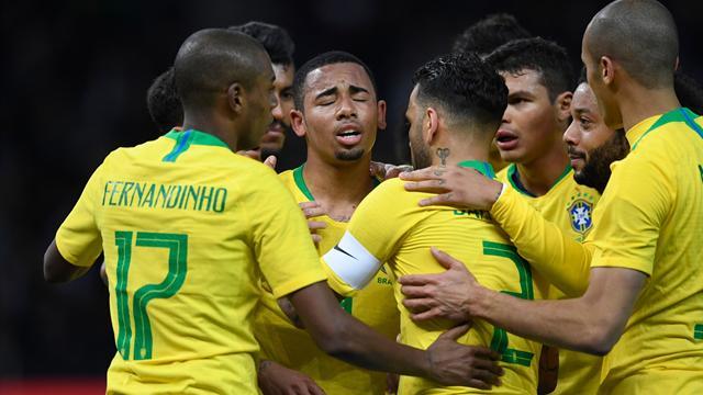 Le Brésil la tête haute