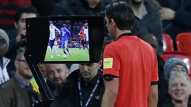 Así fue la instrucción en España del VAR para los árbitros Champions